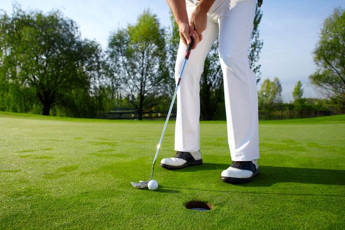 ゴルフ初心者でも飛距離を飛ばせるオススメのゴルフボール