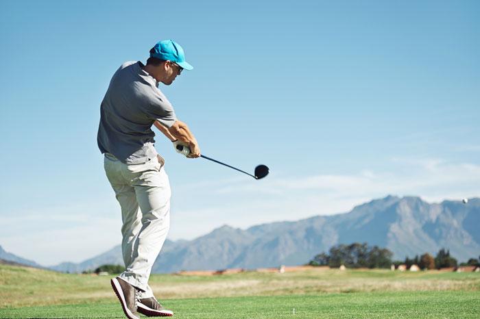 ゴルフ初心者におすすめのドライバーの打ち方まとめ