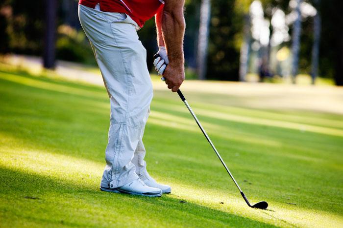 ゴルフ 初心者も知って得するシューズランキング