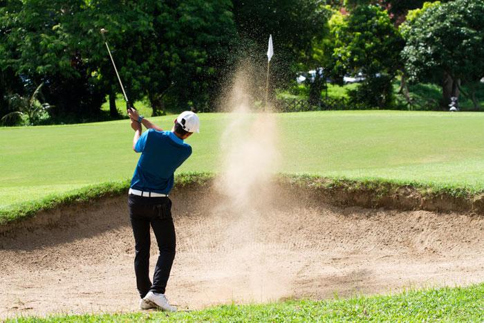 ゴルフ初心者がひとりで回る際の注意点