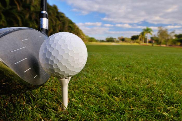 今すぐゴルフのドライバーがスライスするのを防ぐ方法