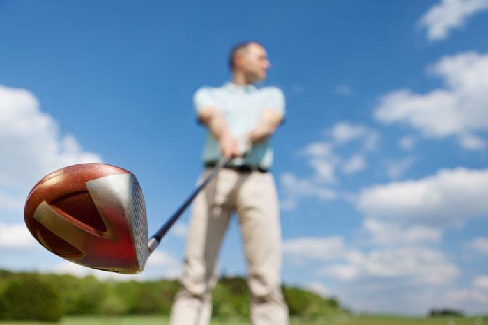 ゴルフのドライバーのスライスを治す方法