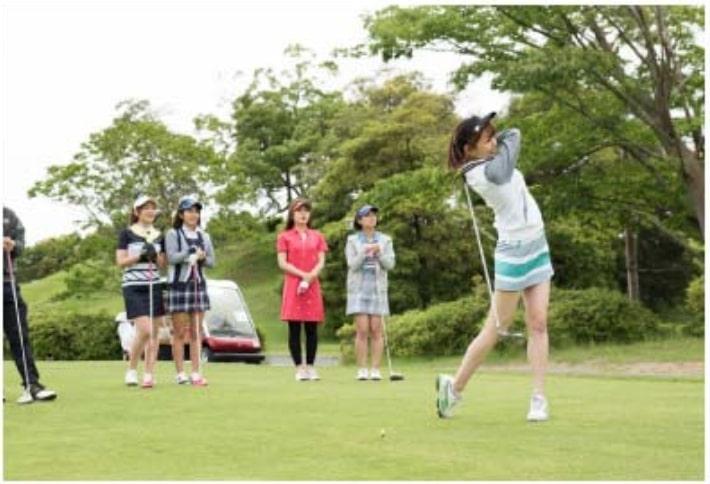 サンクチュアリゴルフスクールのコースレッスンの様子6
